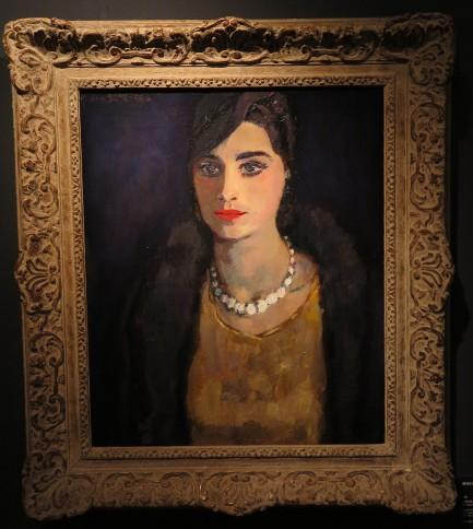 Jan Sluijters, Elegante vrouw met een parelketting, olieverf op doek, 60 x 50.5 cm.
