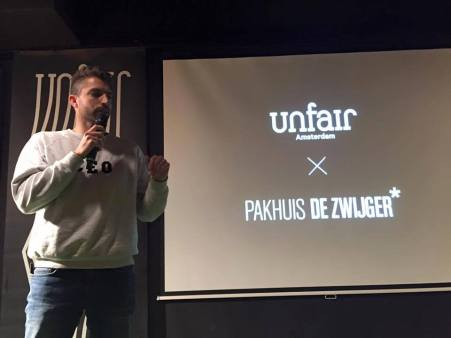 Adam Nillsen Initiatiefnemer van Unfair Amsterdam voert als eerste het woord.